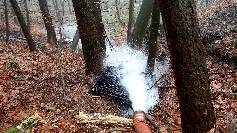 Damm in Ratingen droht zu brechen