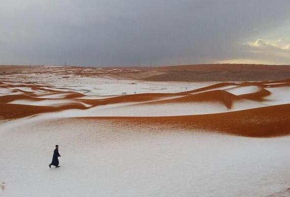 Schnee In Der Wüste Seltener Kälteeinbruch In Saudi Arabien Wetterde