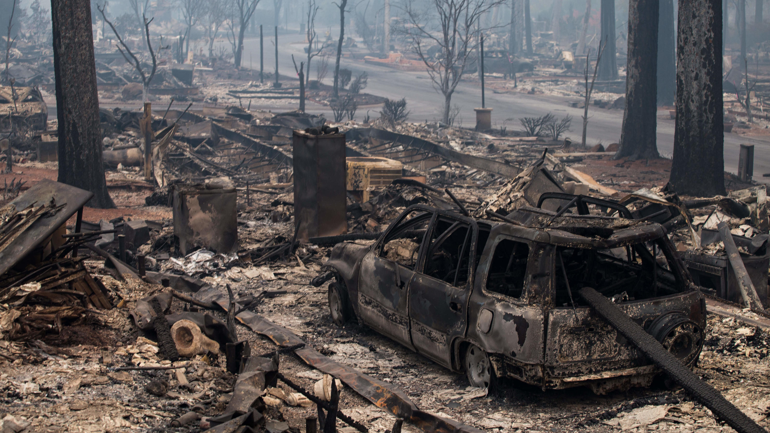 A residential neighborhood is burnt to ashes after the Camp Fire ripped through Paradise, California.Pictured: CAMP FIRERef: SPL5041937 141118 NON-EXCLUSIVEPicture by: SplashNews.comSplash News and PicturesLos Angeles: 310-821-2666New York: 212-619-2