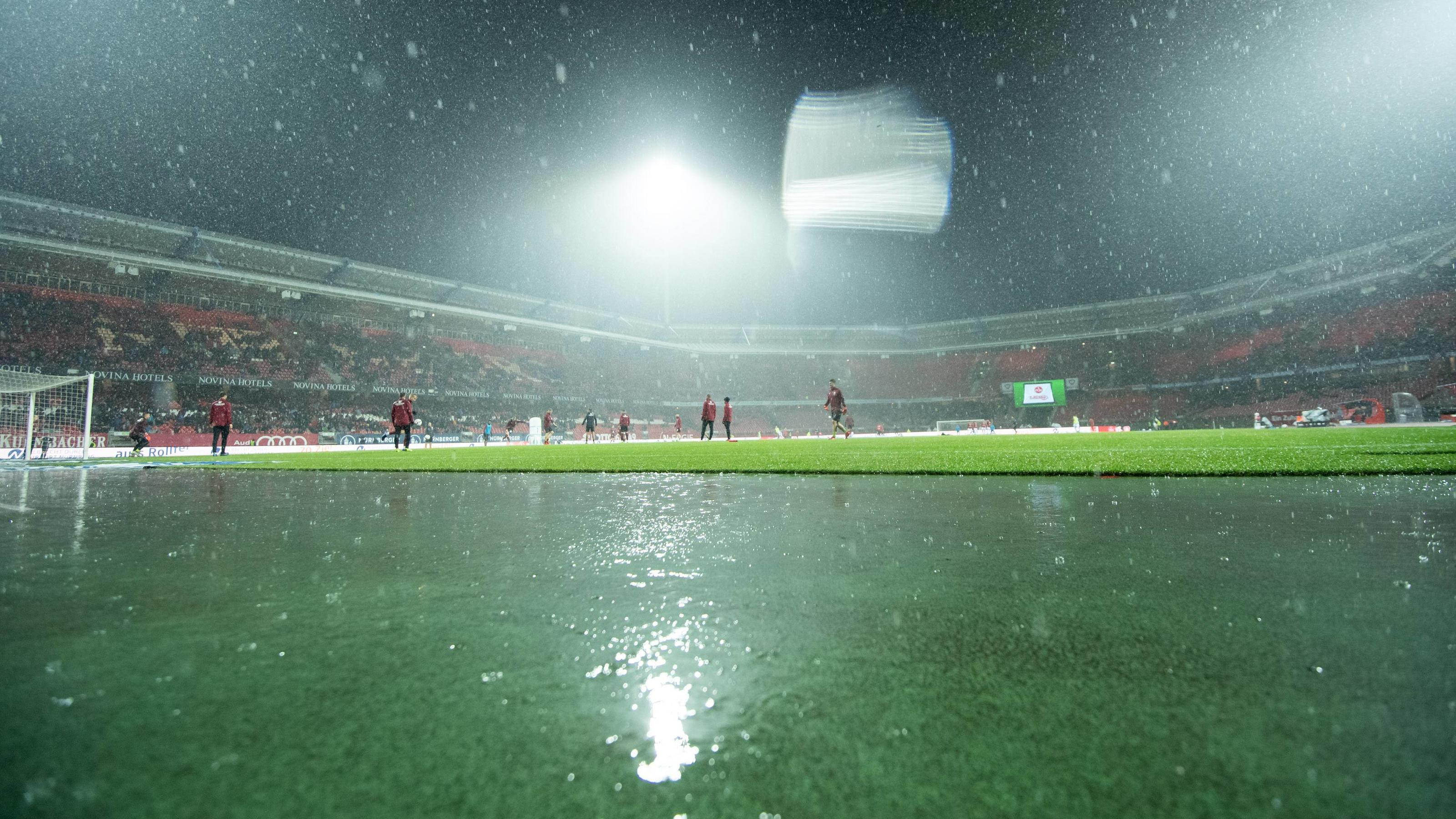 03.12.2018, xkvx, Fussball 1.Bundesliga, 1.FC Nuernberg - Bayer 04 Leverkusen emspor, v.l. Arena Ansicht / Regen (DFL/DFB REGULATIONS PROHIBIT ANY USE OF PHOTOGRAPHS as IMAGE SEQUENCES and/or QUASI-VIDEO) Nuernberg *** 03 12 2018 xkvx Football 1 Bund