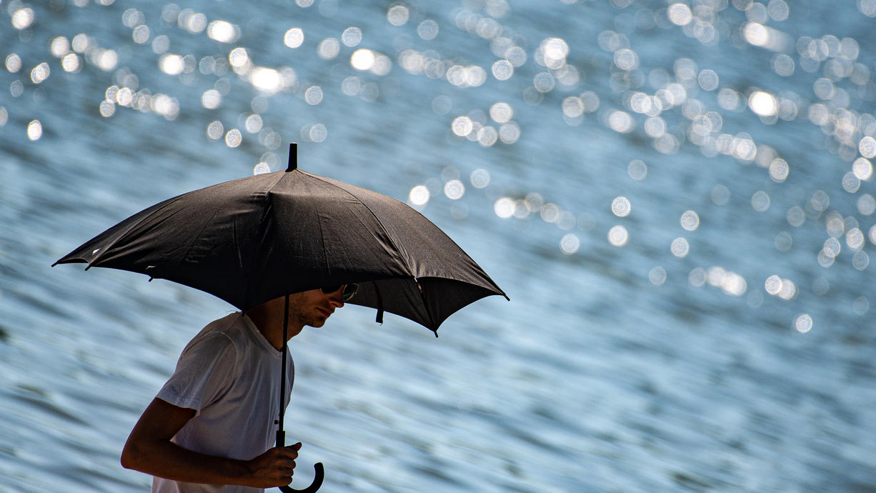 Viel Regen, wechselhafte Temperaturen - da fragt man sich: Fällt dieser Sommer auch im August aus? Der Start des Monats sieht leider sehr wechselhaft aus. Danach klopft ein Hoch an, das den Sommer wieder ins Land bringen könnte.