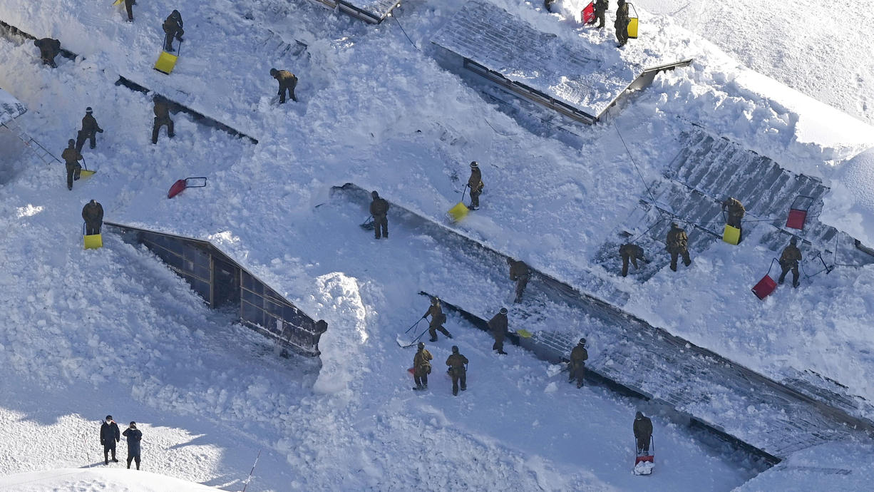 Der Winter 20/21 ist schon seltsam: Spanien ächzt unter Rekordwerten mit 20 cm Schnee in Madrid. Die deutschen Mittelgebirge haben mehr Schnee als die Alpen und Japan erstickt gerade im Schnee. Aber: Nahezu sommerlich ist es in Griechenland.