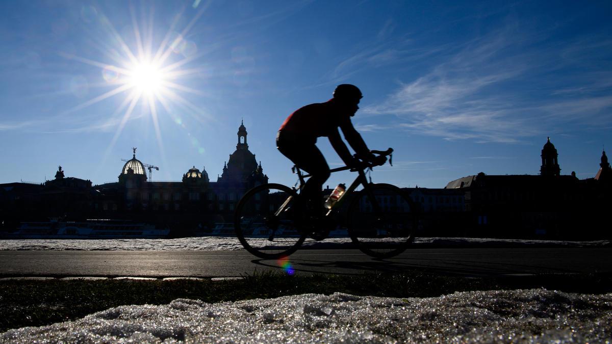 Februar 2021: Jetzt kommt die Rekordwärme auf uns zu - Wetter.de