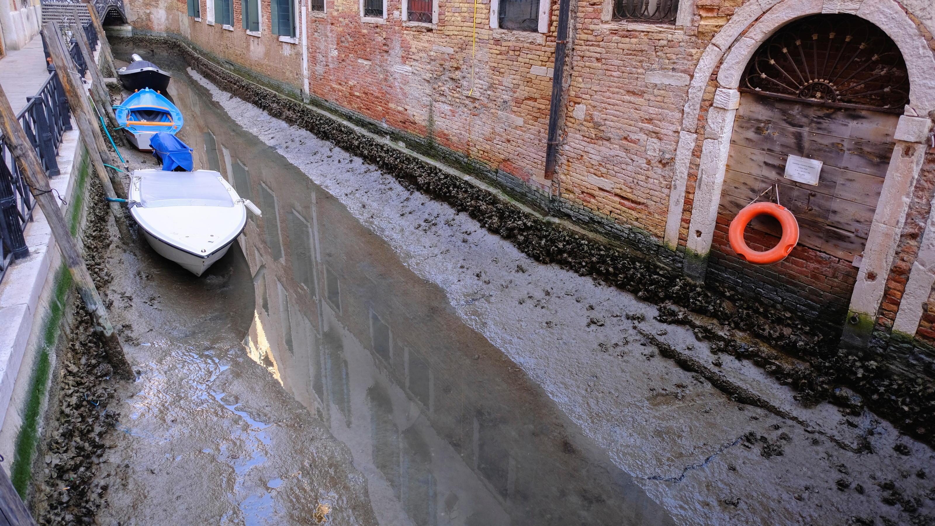 Niedrigwasser Statt Hochwasser In Venedigs Kanalen Wetter De