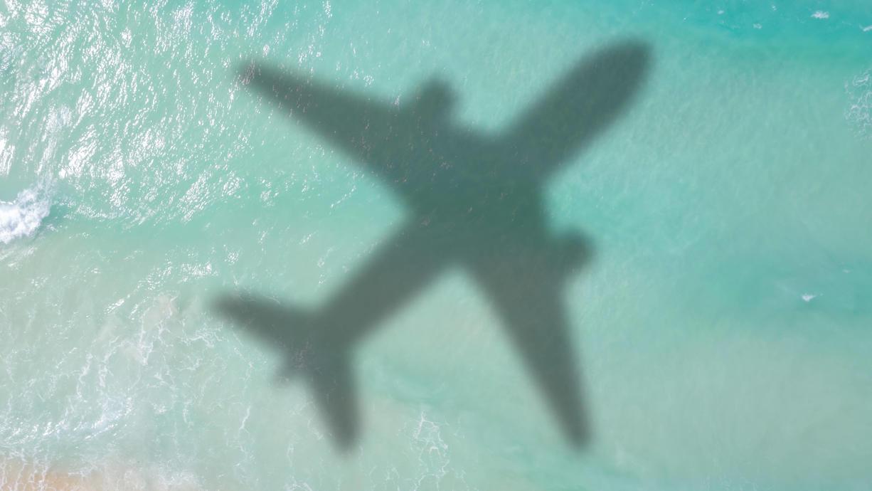 """Die Bundesärztekammer rät von Reisen in Urlaubsgebiete ab, wo die ansteckendere Delta-Variante des Coronavirus grassiert. """"Auf Reisen in Regionen, die von der Delta-Variante besonders betroffen sind, sollte verzichtet werden."""""""