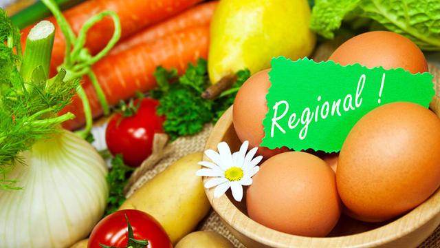 Am 21. April ist der Tag der Erde - seit über 50 Jahren wird dabei angeregt, unser Konsumverhalten zu überdenken. Das Motto des Earth Day 2021: Jeder Bissen zählt, denn Ernährung ist immer auch Klimaschutz.