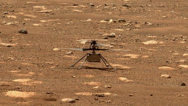 Um kurz vor 13 Uhr unserer Zeit war es dann soweit. Die Nasa empfing die Daten des ersten Fluges auf dem Mars von ihrem Helikopter Ingenuity. Es war somit der erste motorisierte Flug der Menschheit auf einem anderen Planeten.