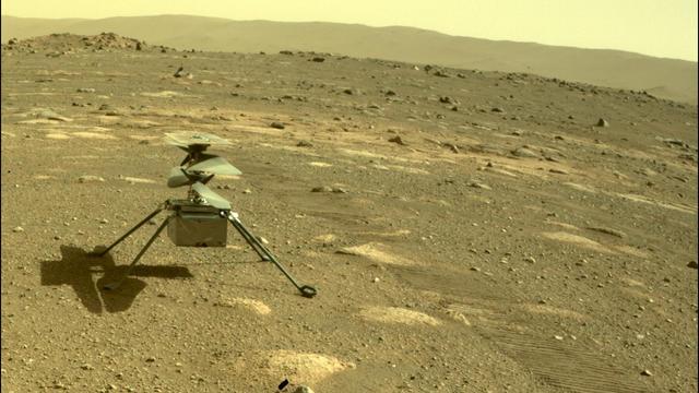 """Dreimal ist der kleine Mars-Helikopter """"Ingenuity"""" seit der Landung des Rovers Perseverance erfolgreich abgehoben. Nun gab es einen Rückschlag für die NASA, denn das vierte Startmanöver auf dem Roten Planeten schlug fehl."""