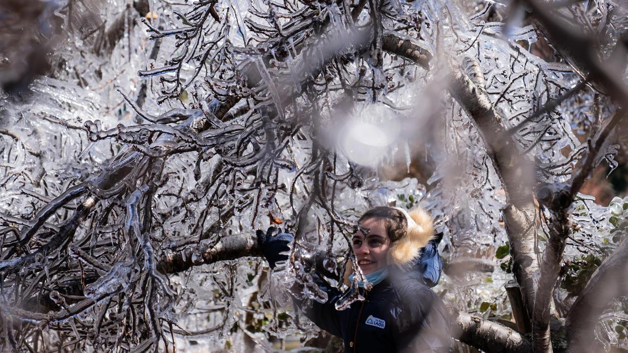 Wintereinbruch und Schneefall in Brasilien: Vom Land am Zuckerhut kennen wir eigentlich andere Bilder. Im Süden Brasiliens brachte eine Kaltfront nun Minusgrade und Schneefall in einige Städte.