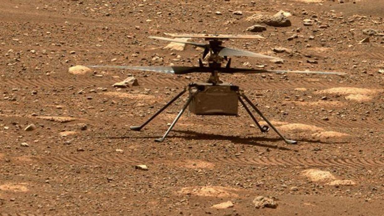 Ingenuity ist seit sechs Monaten in Betrieb, doch nun ändert sich die Atmosphärendichte im Jezero-Krater und der Mini-Hubschrauber bekommt Probleme in die Luft zu steigen. Die NASA hat aber bereits eine Idee, wie das zu überwinden ist.