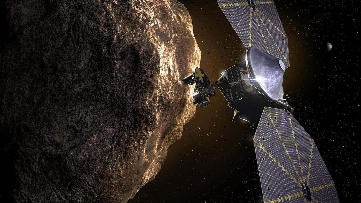 Erstmals bricht eine NASA-Sonde zu den Jupiter-Trojaner-Asteroiden auf. Diese sind Himmelskörper, die auf der gleichen Bahn um die Sonne wandern wie der Gasriese. Es ist die erste Weltraum-Mission, die die ungewöhnlichen Asteroiden untersucht.