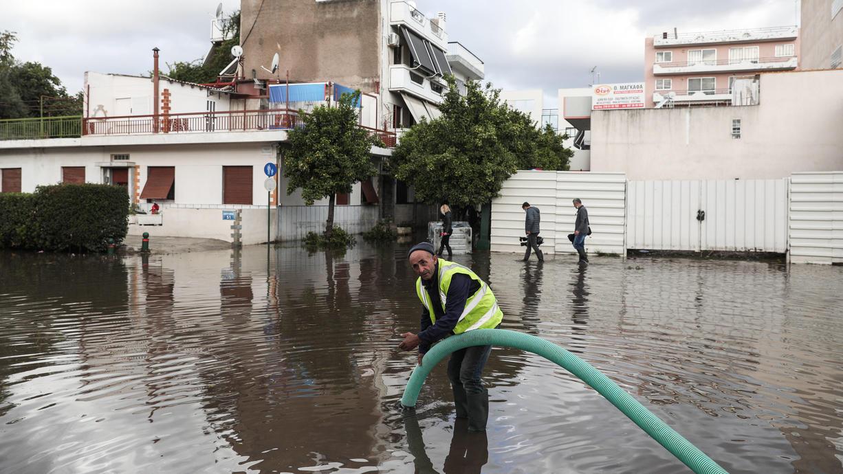Seit Tagen schon sind wiederholt heftige Gewitter und Unwetter an Teilen des Mittelmeeres unterwegs. Im Fokus liegen neben Italien jetzt vor allem Griechenland und die Türkei.