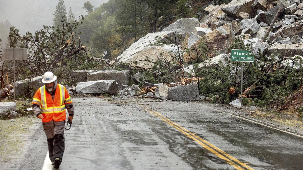 Bombogenese über dem Pazifik löst Erdrutsche, Orkanböen und Sturzfluten in Kalifornien aus