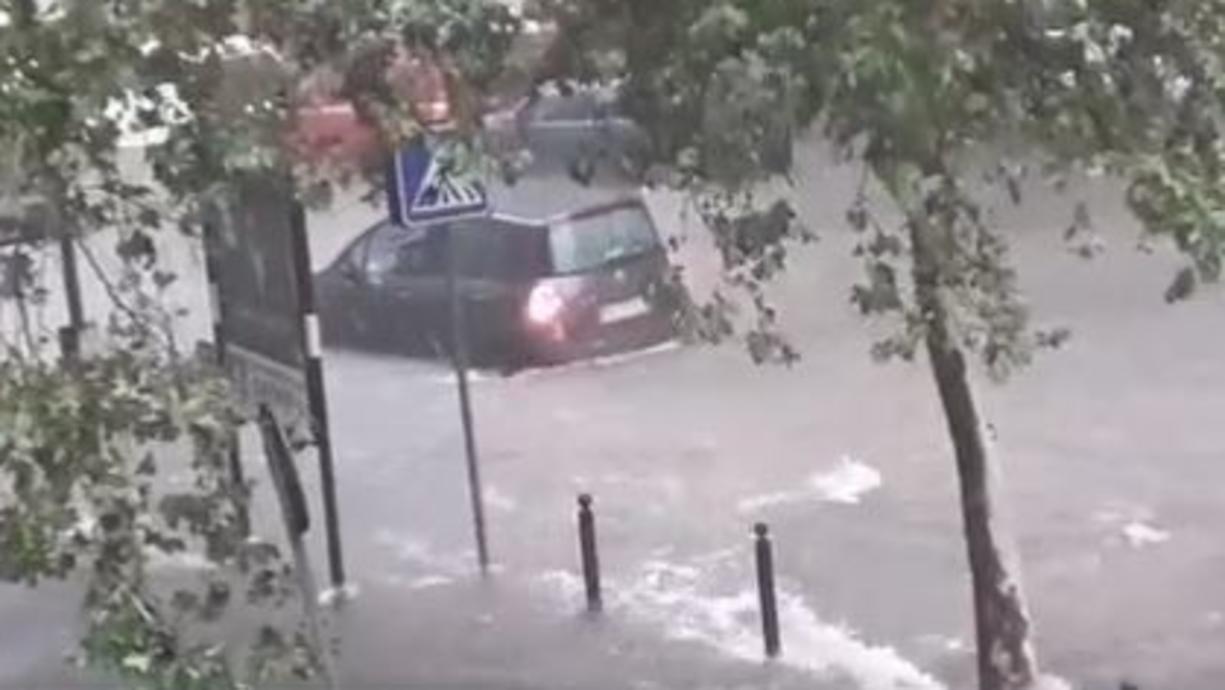 Der Süden Italiens kommt nicht zur Ruhe. Denn vom Ionischen Meer nehmen die Unwetter vorerst kein Ende. Erneut drohen sintflutartige Regenmengen sowie ein ausgewachsener Mittelmeersturm - ein sogenannter Medicane.