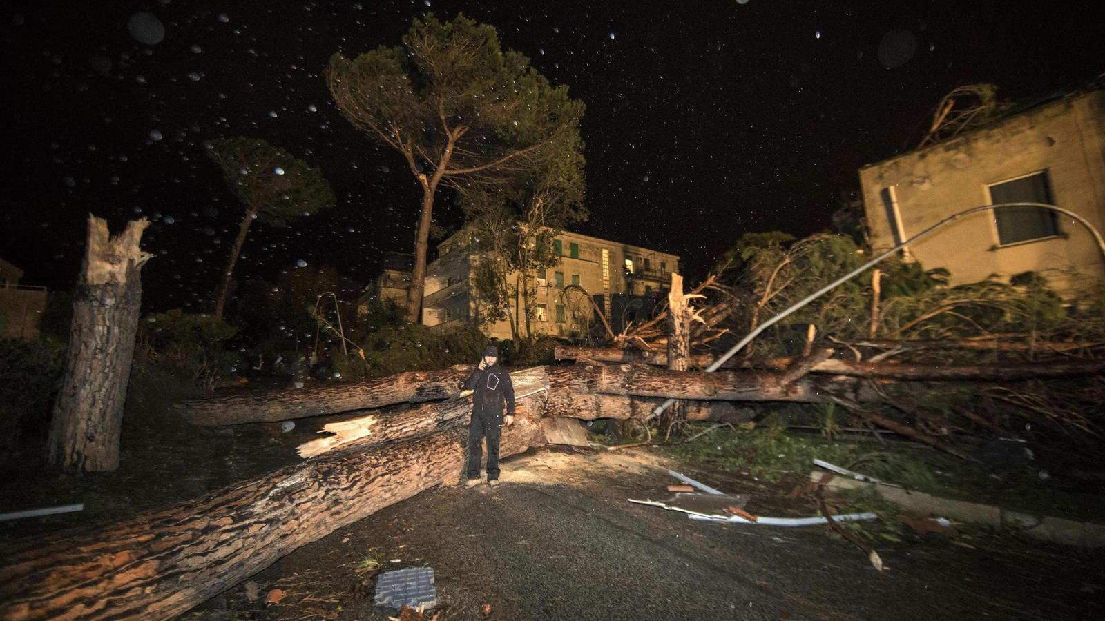 Tornado Rom