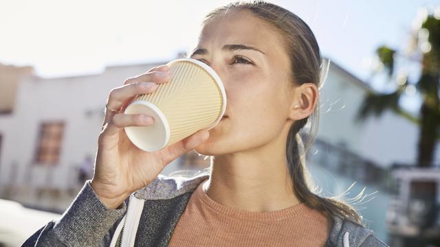 Es wird etwas frühlingshafter, wenn auch im Stottermodus. Grad für Grad geht es bis zur Wochenmitte aufwärts. Ein Kaffee für unterwegs ist dann noch drin, aber damit sollte man nicht zu lang warten.