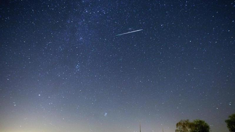 Sternschnuppen Der Halleysche Komet Bringt Uns Einen Meteorschauer